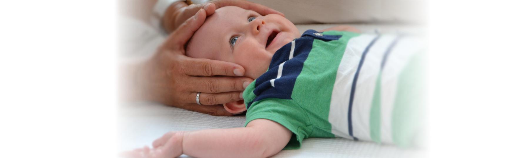 Kind, Kinderosteopathie Behandlung